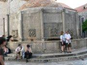 Dubrovnik - Onufriova kašna     Přidal: IvSi, id:20080114120236678