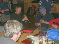 V Kytlici na sále - dva klarinety     Přidal: IvSi, id:20080512142232734