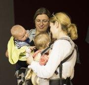 Maminy s miminy | (Tondovi se omlouvám, přece už chodí)| Přidal: IvSi, id:20180509163150904