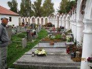 Albrechtice nad Vltavou   unikátní kapličkový hřbitov  Přidal: Drahos, id:20211011152606202