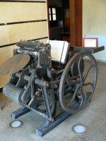 Typografický stroj pro tisk z výšky (pro ruční sazbu) | vestibul archivu a knihovny provincie Leon| Přidal: IvSi, id:20120618134640751